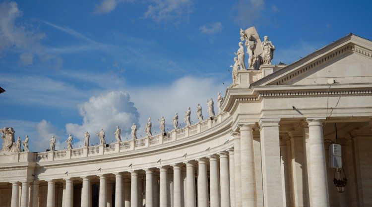 Bernini's colonnade of St. Peter's Basilica - Vatican Tour