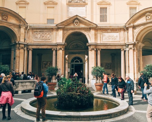 A tribute to the art of sculpture: the treasures of the Octagonal Courtyard at the Vatican Museums