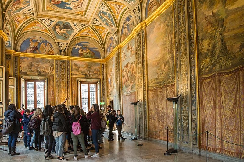 villa farnesina's frescoes