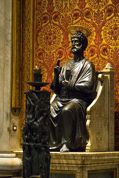 statue of st. peter by Arnolfo di Cambio