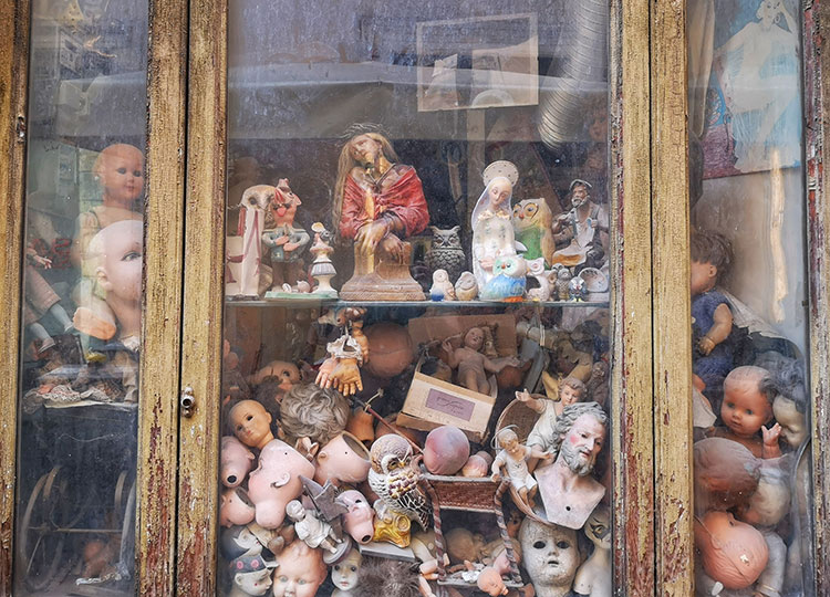 The Doll's Hospital in Rome