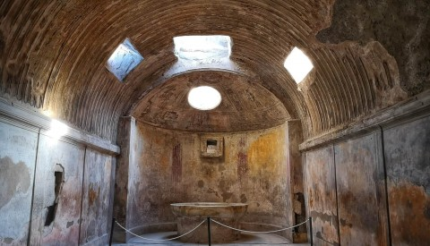 Pompeii Day Trip from Rome by Fast Train and Car Service - image 3