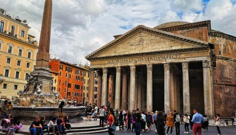 Guided Rome Private Tour: Colosseum, Roman Forum & Famous Squares