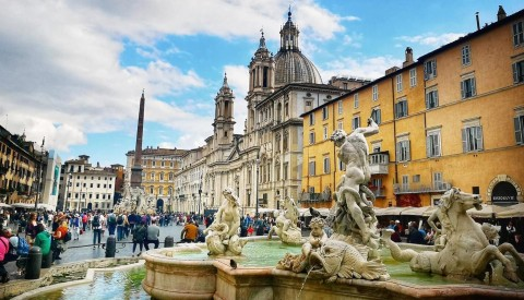 Experience the magic of awe-inspiring piazza Navona at Twilight