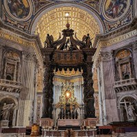 Be amazed by awe-inspiring St. Peter's Basilica